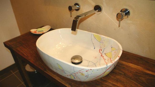 Vasque porcelaine à moitié encastrée